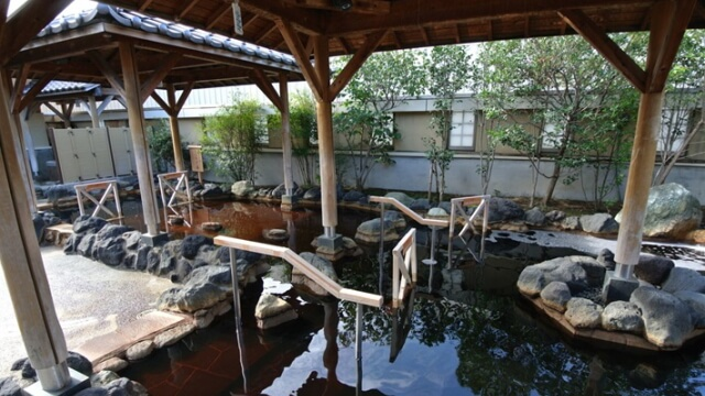 市原天然温泉江戸遊の露天風呂